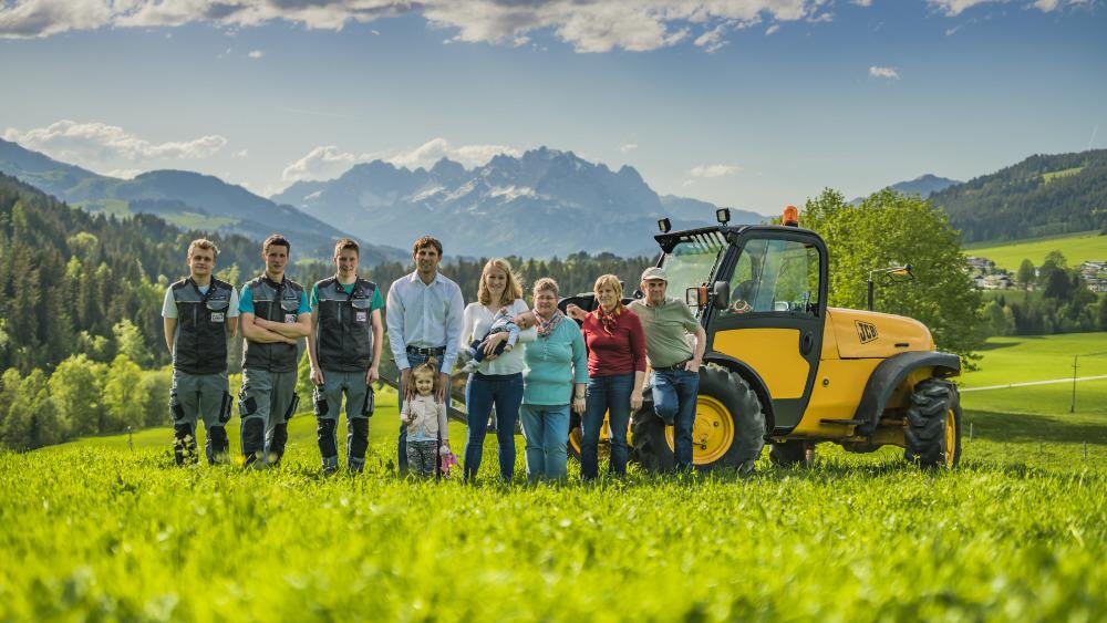 fleckl-landtechnik-team-arbeiter-chef